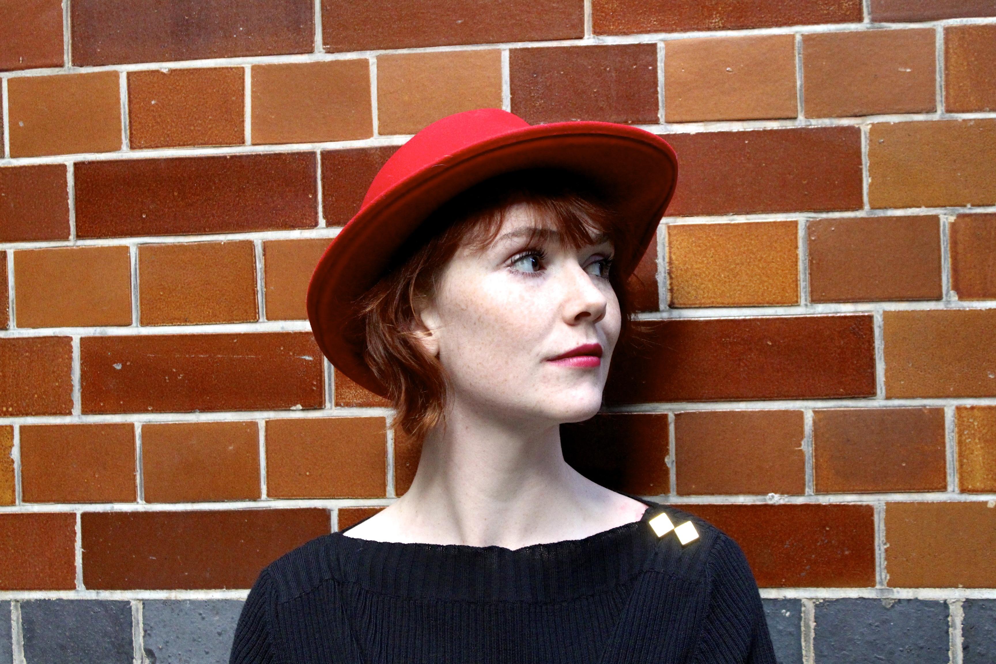 Profile: Elf Lyons