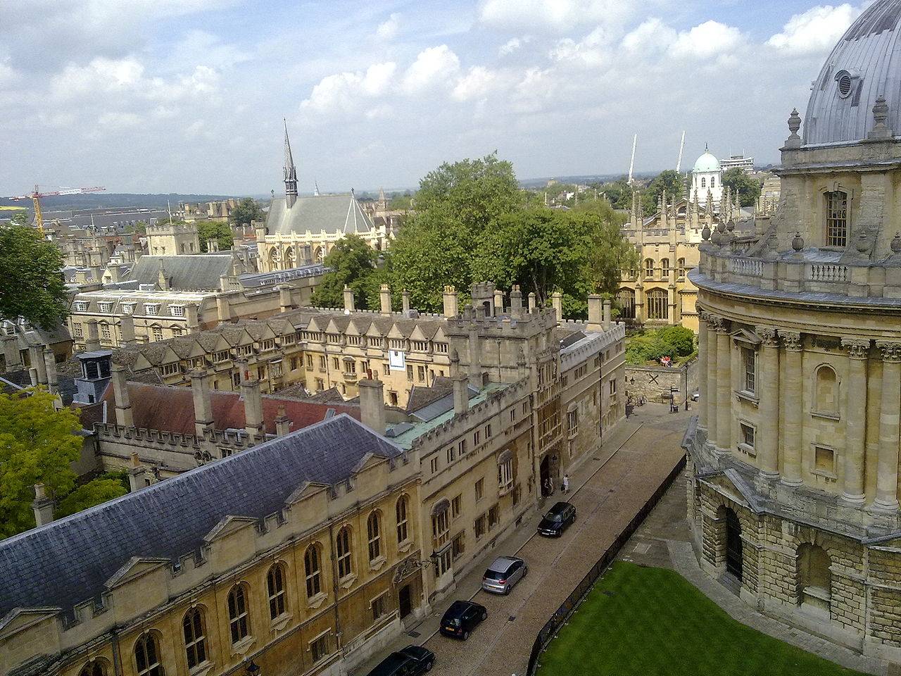 Christ Church and Brasenose JCRs declare state of war
