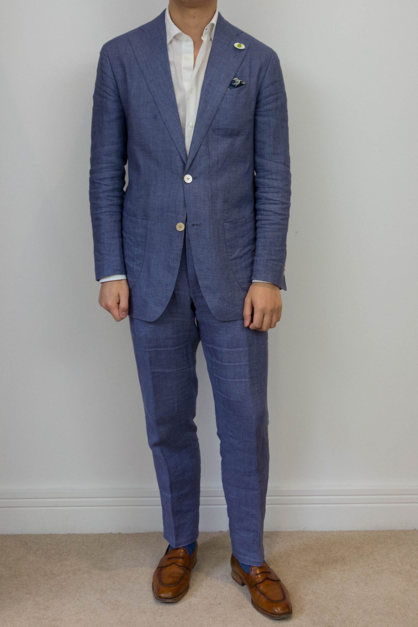 Blue suit, brown shoes – a timeless combination or a mistake?