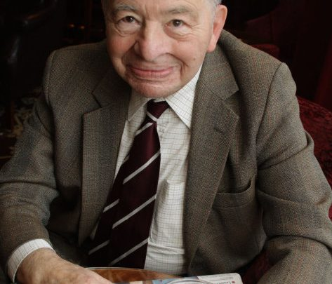 Tributes paid to late Morse author Colin Dexter
