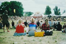 'All Points East' day festival: the perfect balance between energy and elegance